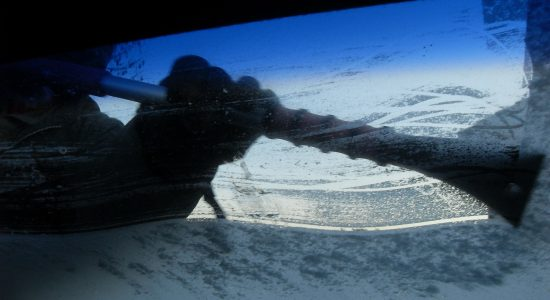 de-ice your windshield, thaw windshield